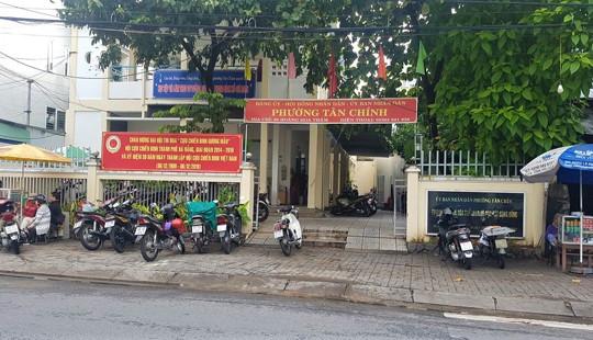 """Đà Nẵng: Cán bộ hộ tịch """"hành dân"""" bị điều chuyển công tác"""