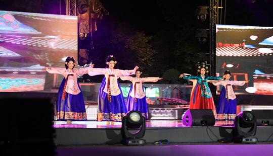 Ngoài Kpop Hip Hop Festa và Đại tiệc V-Pop, Lễ hội văn hóa và ẩm thực Việt Hàn có gì?