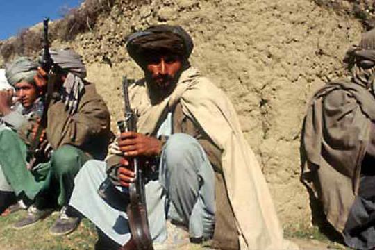 36 tay súng IS và Taliban buông súng đầu hàng tại Afghanistan