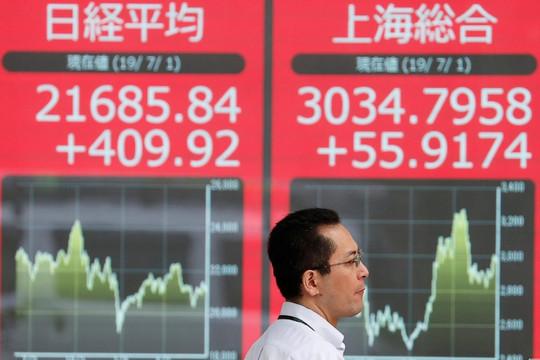 Các nhà đầu tư cảnh giác khi tình trạng bất ổn lan rộng từ Hongkong đến Santiago