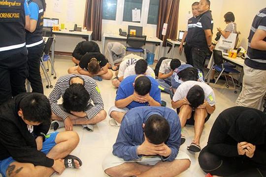 Bắt giữ 36 người Nhật Bản bị cáo buộc lừa đảo qua điện thoại