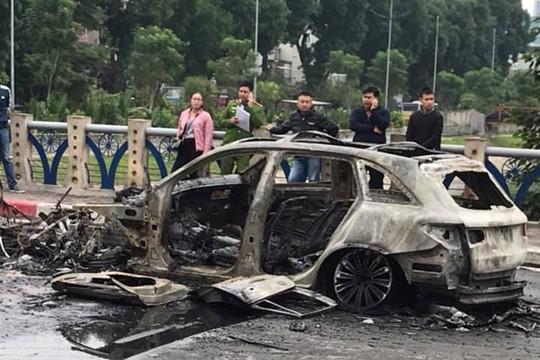 Nữ tài xế lái Mercedes gây tai nạn khiến 4 chiếc xe cháy rụi ra trình diện