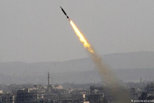 Israel không kích trên diện rộng mục tiêu quân sự của Iran và Syria