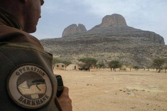 Pháp vật lộn với trận chiến chống lại các chiến binh thánh chiến ở Sahel