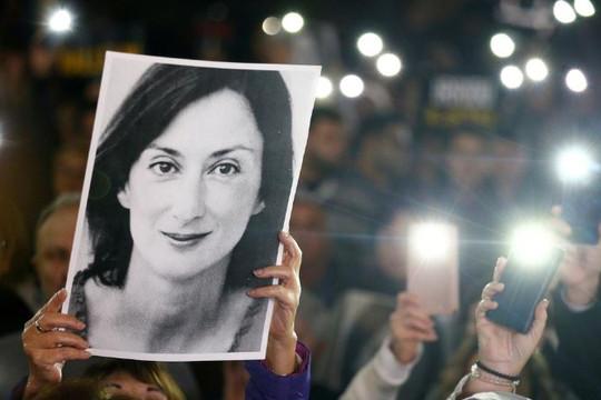 Vụ nhà báo Malta chống tham nhũng bị sát hại: Biểu tình đòi Thủ tướng từ chức