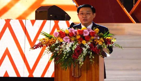 Phó Thủ tướng Vương Đình Huệ dự lễ kỷ niệm 90 năm thành lập đô thị Pleiku