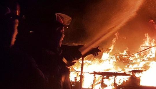 Cháy nhà dân lúc rạng sáng, 3 người tử vong