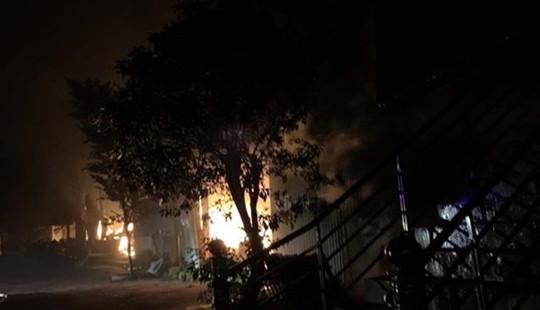 4 người trong gia đình tử vong trong căn nhà bốc cháy