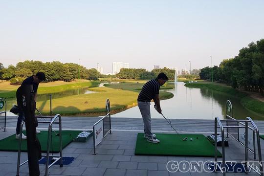 Khu đô thị Ciputra: Chủ đầu tư quây công viên làm… sân tập golf
