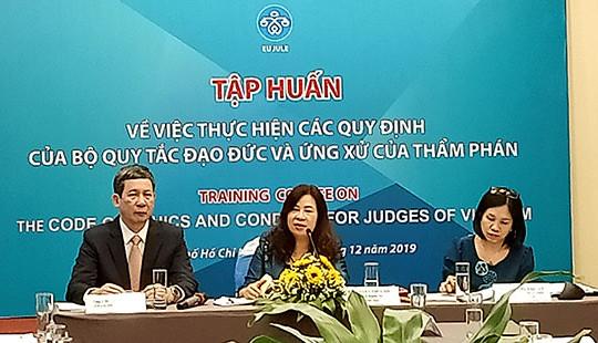 Tập huấn thực hiện các quy định của Bộ quy tắc đạo đức và ứng xử Thẩm phán
