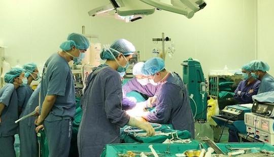 Việt Nam lần đầu thực hiện 2 ca ghép gan, phổi cho 1 bệnh nhân