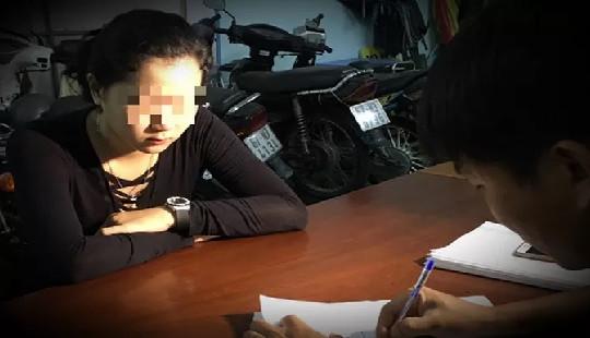 Nữ nhân viên massage đâm chết khách vì trả thiếu tiền