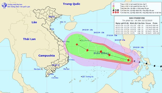 Bão Phanfone giật cấp 14 hướng vào Biển Đông