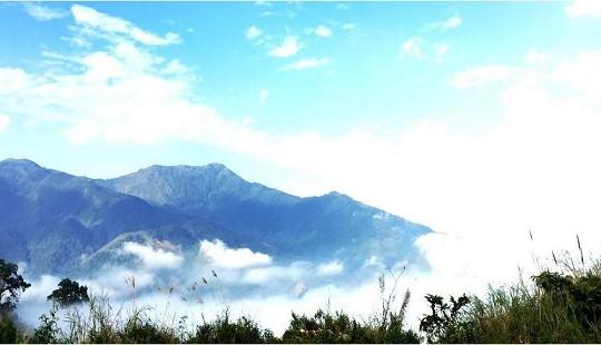 Săn mây trên đỉnh Pu Xai Lai Leng