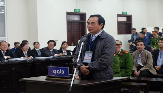 """Vụ bán """"đất vàng"""" ở Đà Nẵng: Nguyên Chủ tịch Văn Hữu Chiến bàng hoàng vì bị đề nghị mức án nặng"""