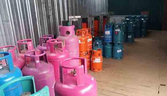 Phát hiện một cơ sở sang chiết gas trái phép quy mô lớn