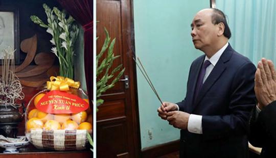 Thủ tướng dâng hương tưởng nhớ Bác Hồ tại Di tích Nhà 67