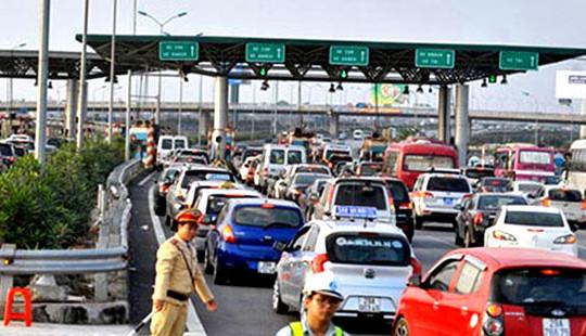Phó Thủ tướng: Xả trạm cho phương tiện lưu thông khi xảy ra ùn tắc giao thông tại các trạm thu phí