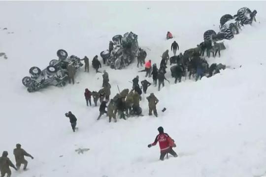 21 người chết, nhiều người mắc kẹt sau trận tuyết lở ở miền Đông Thổ Nhĩ Kỳ