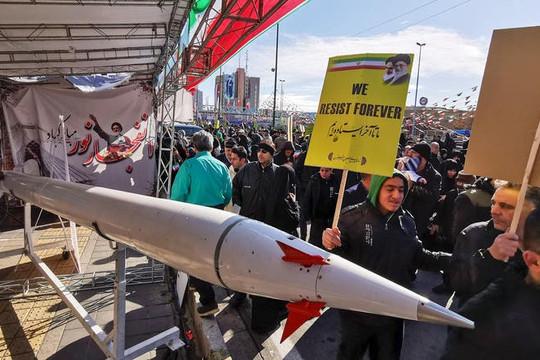 Hàng ngàn người Iran xuống đường kỷ niệm cuộc cách mạng Hồi giáo