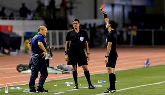 HLV Park Hang Seo bị AFC cấm chỉ đạo 4 trận đấu do thẻ đỏ ở chung kết SEA Games 2019