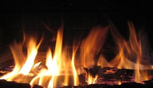 Kế toán xã tử vong trong phòng làm việc bốc cháy