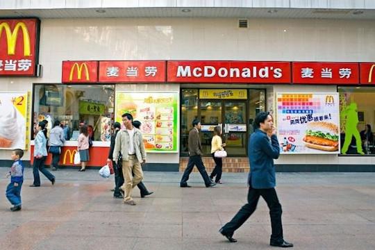 """Trung Quốc đẩy mạnh việc giao hàng """"không tiếp xúc"""" để tránh lây lan virus"""