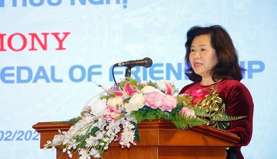 Trao tặng Huy chương Hữu nghị cho Giám đốc quốc gia KOICA tại Việt Nam