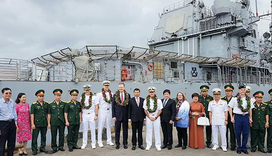 Nhóm tàu sân bay Hải quân Hoa Kỳ thăm Việt Nam