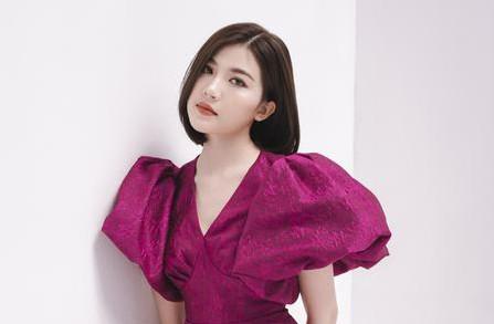 'Tiểu tam' Lương Thanh đẹp thanh lịch với váy Hà Duy