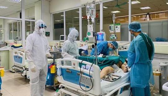 Một bệnh nhân nhiễm Covid-19 phải thở máy