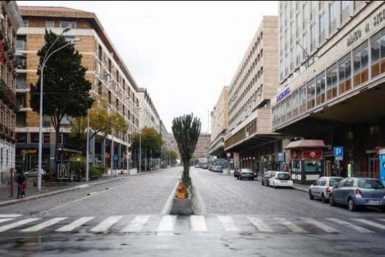 Số ca chết vì Covid-19 tăng gần 800 người một ngày, Ý đóng cửa hầu hết nơi làm việc