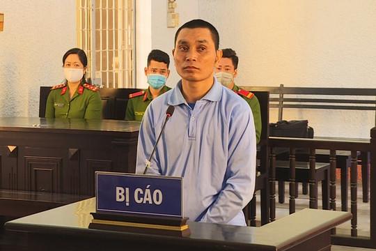 Cha dượng nhiều lần hiếp dâm con riêng của vợ lĩnh án 20 năm tù