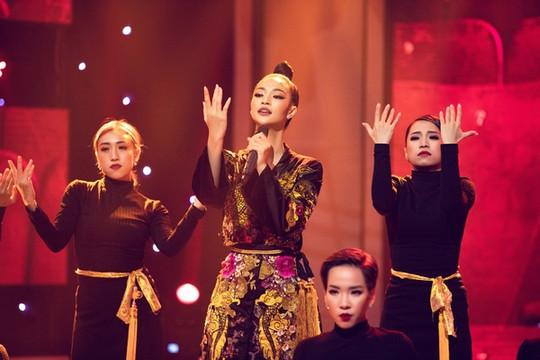 Á hậu Kiều Loan dần khẳng định mình không phải là 'Người đẹp đi hát'