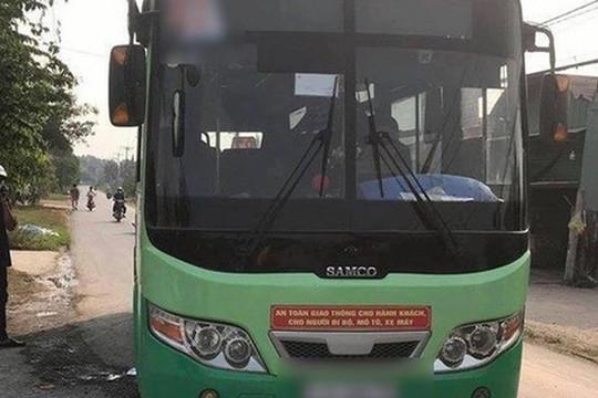 Nữ nhân viên xe buýt ở Sài Gòn bị đâm tử vong