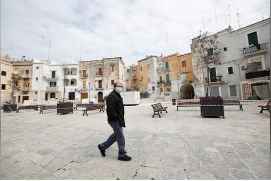 """Italia """"băn khoăn"""" về lệnh phong tỏa"""