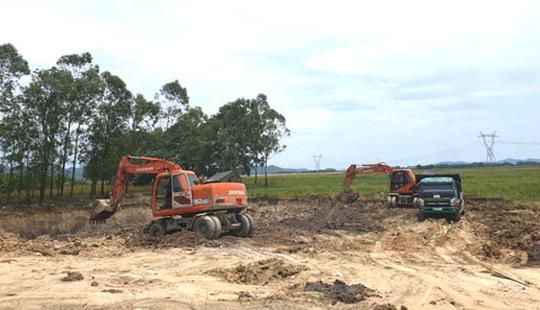 """Hà Tĩnh: """"Tiền trảm hậu tấu"""" việc xây dựng bãi rác vì áp lực nông thôn mới?"""