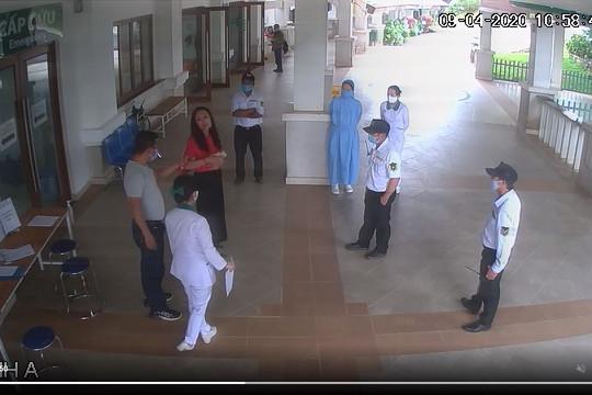 Xử lý đối tượng đánh bảo vệ bệnh viện khi được yêu cầu khai báo y tế