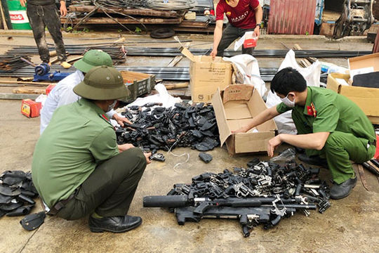 Công an Sơn La tiêu hủy gần 9.000 vũ khí, công cụ hỗ trợ