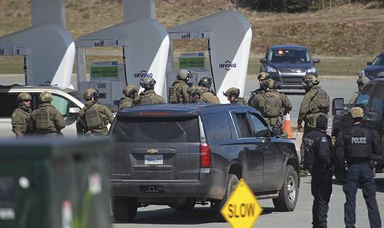 Ngụy trang làm cảnh sát, xả súng bắn chết 17 người tại Canada