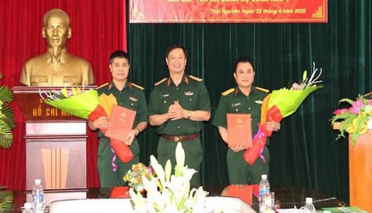 Trao các quyết định bổ nhiệm Chánh án, Phó Chánh án TAQS hai cấp Quân khu 1