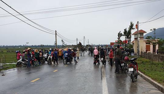Hà Tĩnh: Người dân phản đối chính quyền dùng tro xỉ để san lấp mặt bằng