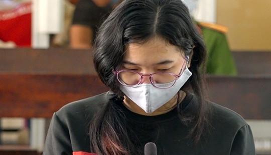 10 năm tù cho nữ nhân viên massage đâm khách tử vong
