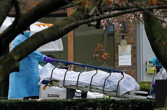 """Tin vắn thế giới ngày 1/5: Mỹ đặt thêm 100.000 túi đựng xác phòng """"kịch bản xấu nhất"""""""