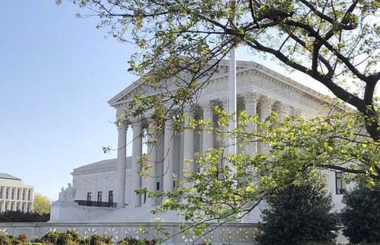 Tin vắn thế giới ngày 5/5: Tòa án Tối cao Mỹ lần đầu xét xử trực tuyến