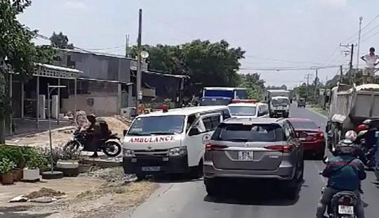 Phạt tiền, tước bằng lái tài xế cản trở 2 xe cứu thương