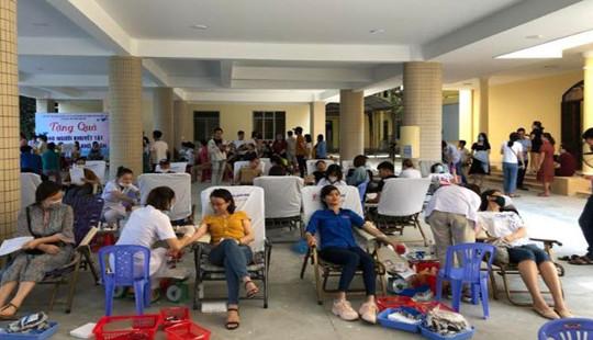 Cán bộ công chức TAND Cấp cao tại Đà Nẵng hiến máu nhân đạo