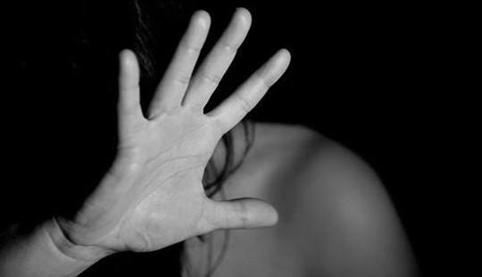 Bắt giữ đối tượng hiếp dâm bé gái