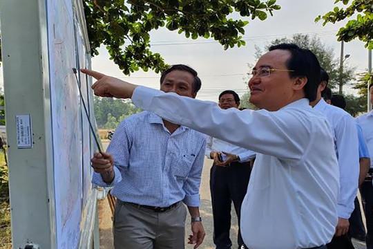 Bộ trưởng Bộ GDĐT Phùng Xuân Nhạ kiểm tra thực địa Dự án Làng Đại học Đà Nẵng