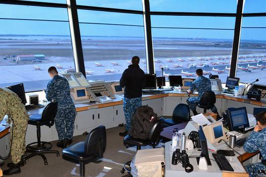 Xả súng liên tiếp ở căn cứ Hải quân, trung tâm thương mại Mỹ